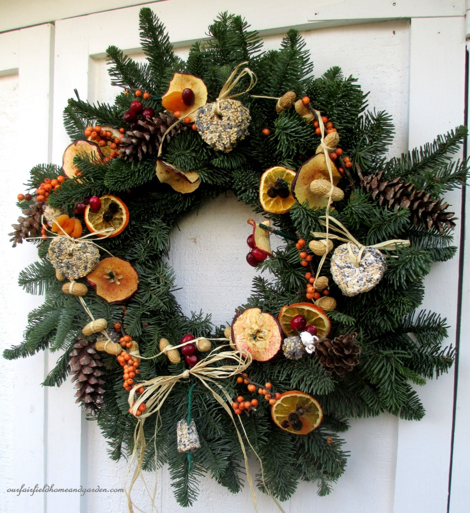 Natural Bird Wreath http://ourfairfieldhomeandgarden.com/natural-holiday-bird-wreath/