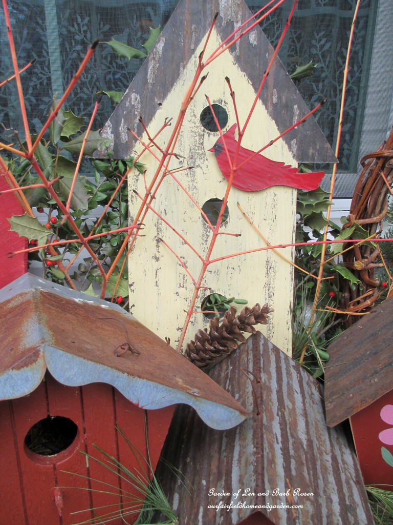 Red Birdhouses for Valentine's Day! https://ourfairfieldhomeandgarden.com/valentines-day-windowboxes/
