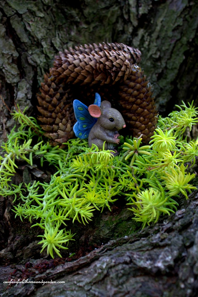Squeak the Mouse Fairy http://ourfairfieldhomeandgarden.com/the-enchanted-guardians-come-to-my-garden/