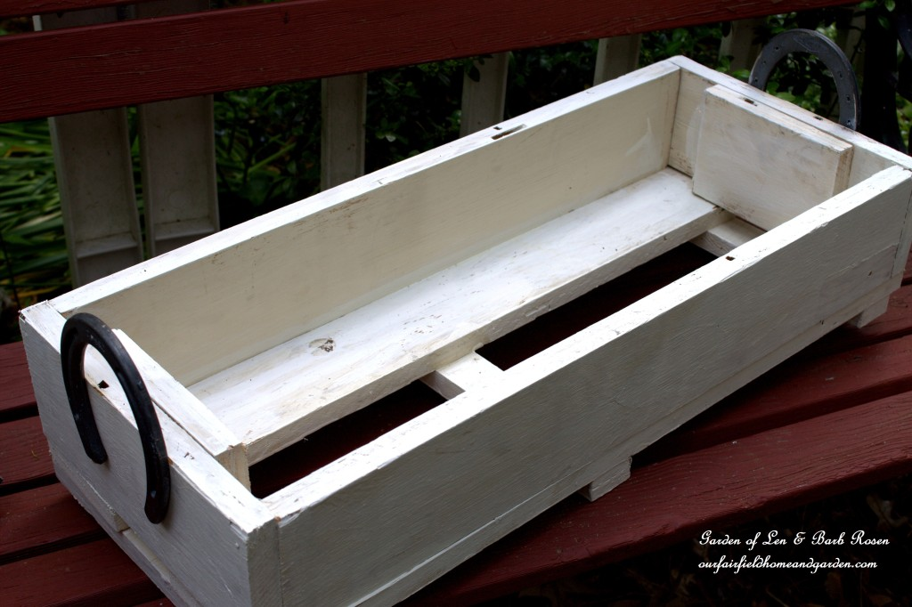 Painted Herb Box https://ourfairfieldhomeandgarden.com/horseshoe-handled-herb-box/