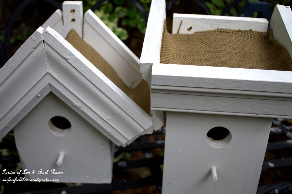 DIY Greenroof Birdhouses https://ourfairfieldhomeandgarden.com/diy-easy-greenroof-birdhouses/