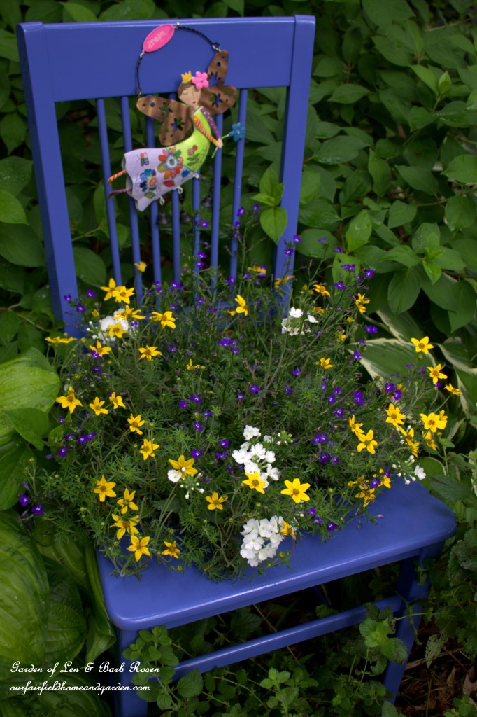 DIY ~ Chair Planter http://ourfairfieldhomeandgarden.com/diy-chair-planter/