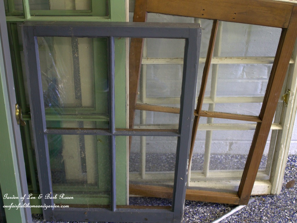 Recycled Window Picture Frame http://ourfairfieldhomeandgarden.com/recycled-window-picture-frame/