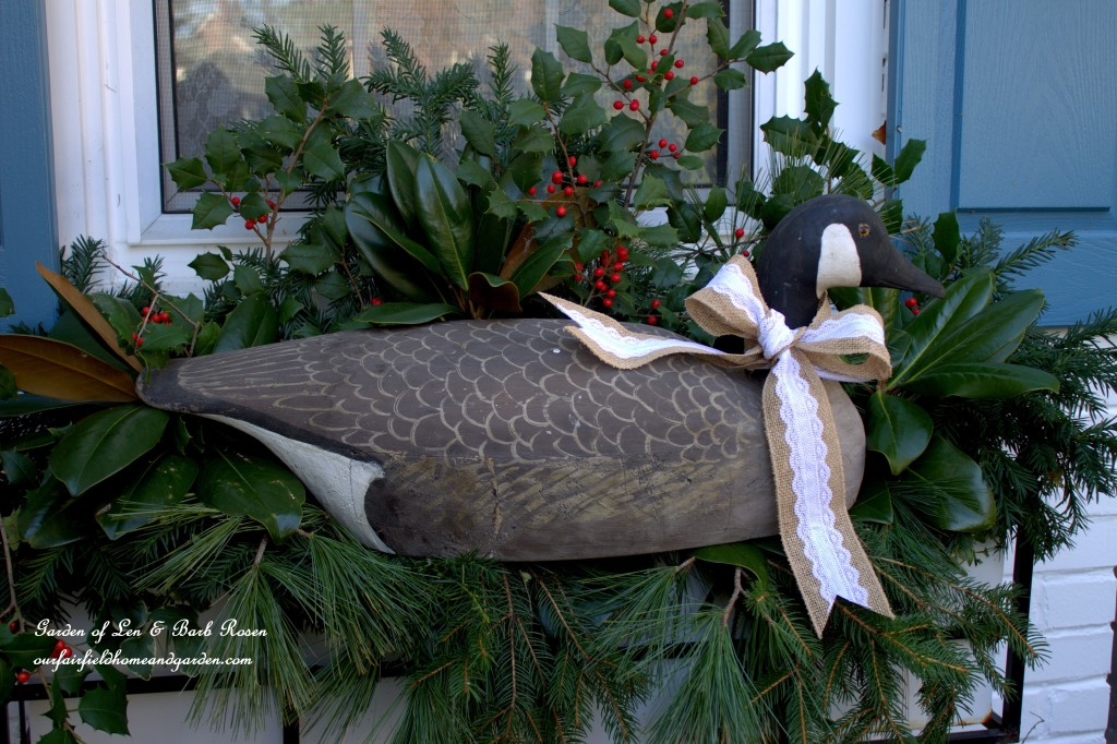 Canada Goose Winter Windowbox http://ourfairfieldhomeandgarden.com/rustic-winter-our-fairfield-home-and-garden/