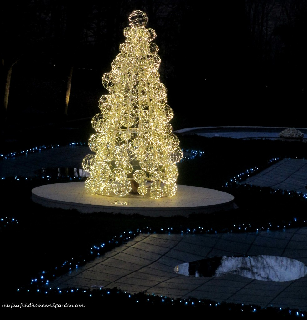 Longwood Christmas https://ourfairfieldhomeandgarden.com/a-longwood-christmas-evening-stroll/