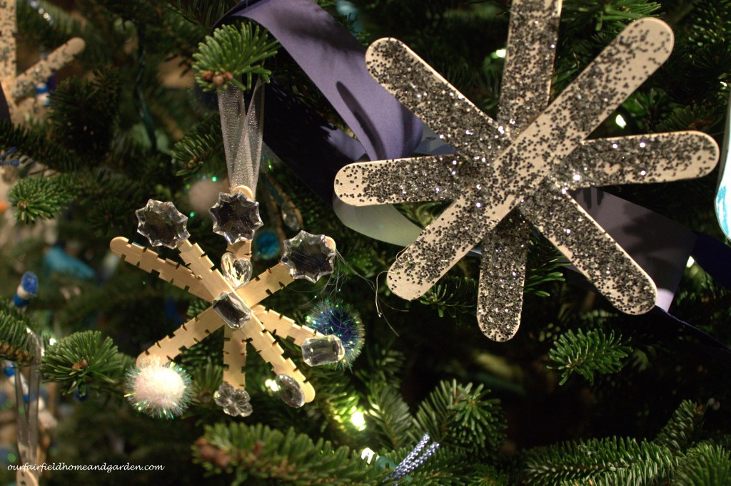 Glitter Ornaments http://ourfairfieldhomeandgarden.com/a-longwood-christmas-evening-stroll/