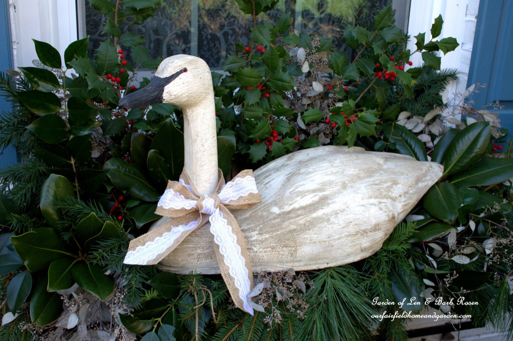 Snow Goose Winter Windowbox http://ourfairfieldhomeandgarden.com/rustic-winter-our-fairfield-home-and-garden/