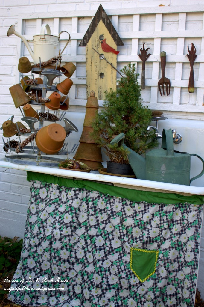 A winter potting sink http://ourfairfieldhomeandgarden.com/rustic-winter-our-fairfield-home-and-garden/