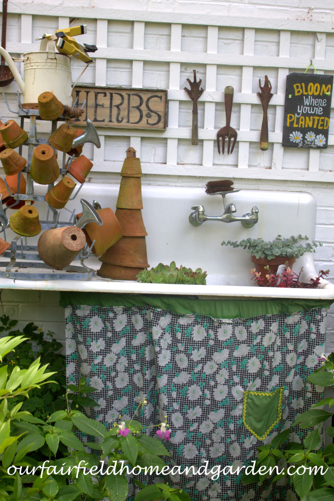 Potting Sink https://ourfairfieldhomeandgarden.com/our-fairfield-home-and-garden-tour/