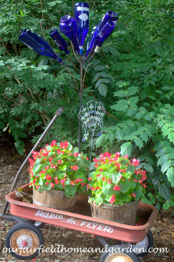 Container Plantings http://ourfairfieldhomeandgarden.com/our-fairfield-home-and-garden-tour/