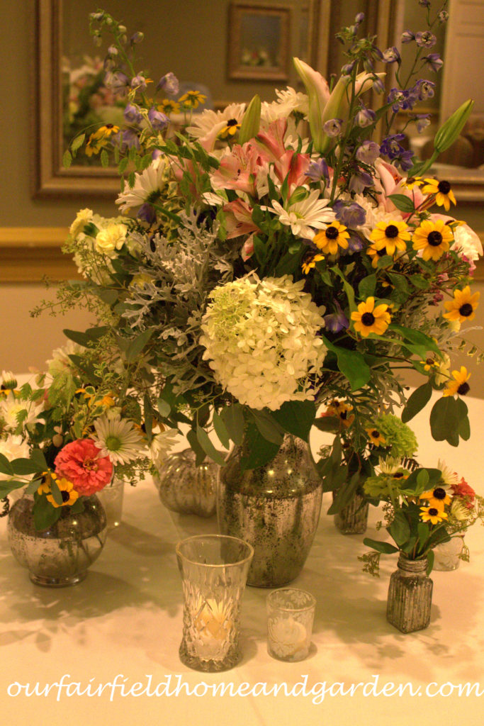 Glam Up Your Glassware for Less http://ourfairfieldhomeandgarden.com/glam-up-your-wedding-glassware-wedding-flowers-for-less/