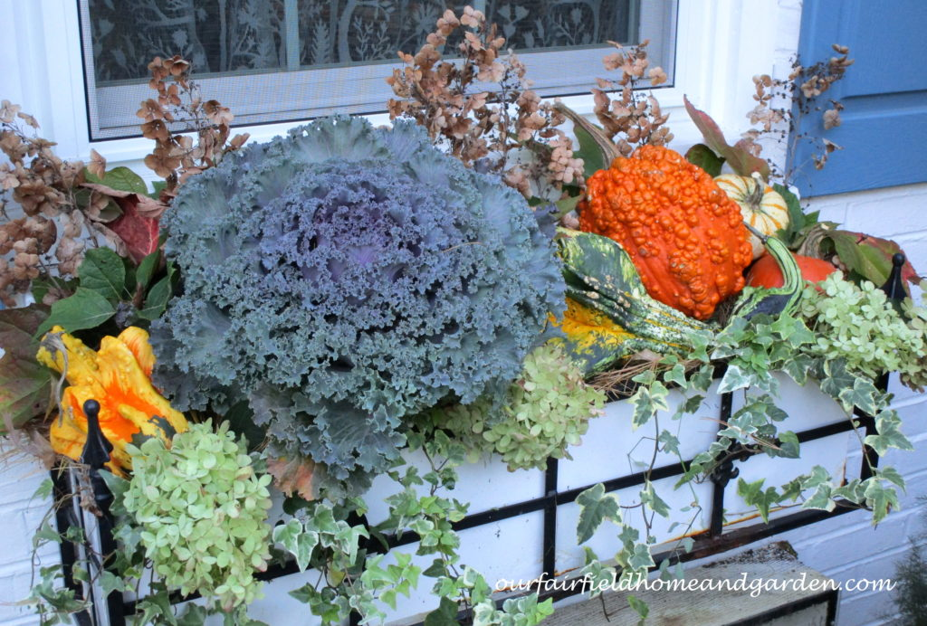 Decorate for Fall Naturally https://ourfairfieldhomeandgarden.com/decorate-for-fall-naturally/