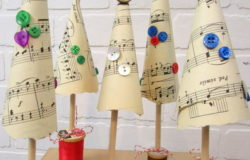 Music Sheet Christmas Tree