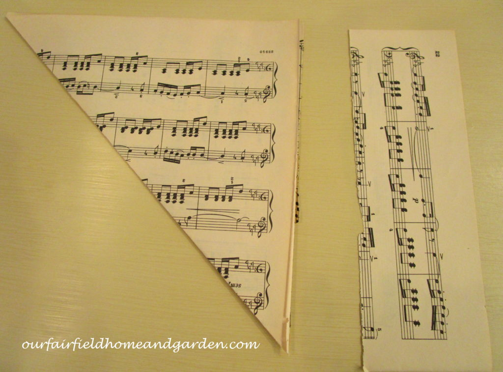 Music Sheet Christmas Tree http://ourfairfieldhomeandgarden.com/diy-make-music-sheet-christmas-trees/